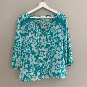 New York & Co. Green and White Floral Print Blouse
